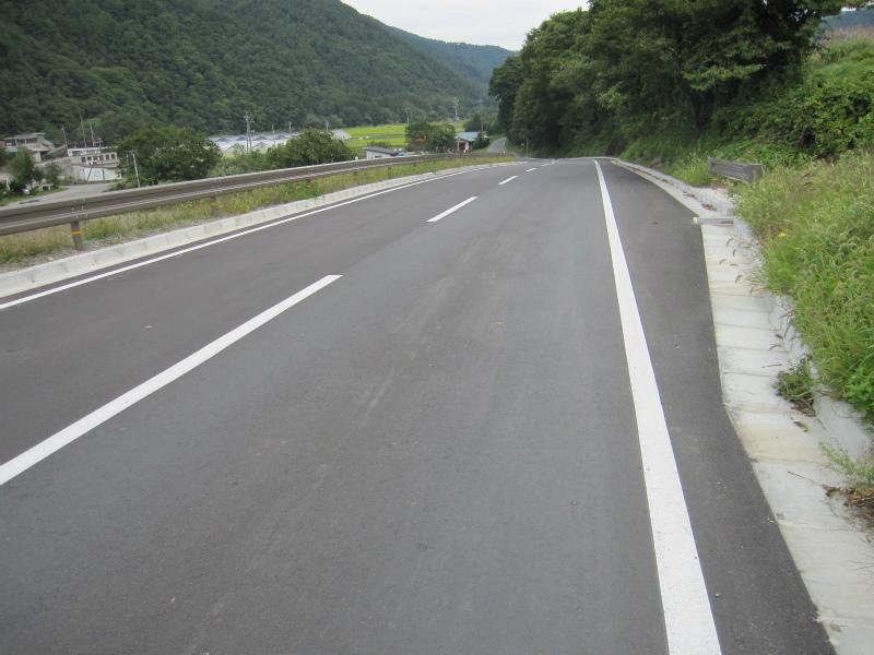 県単道路改築事業に伴う測量設計